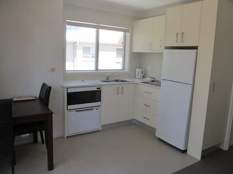 Surfers Paradise! 1 minute walk to the beach