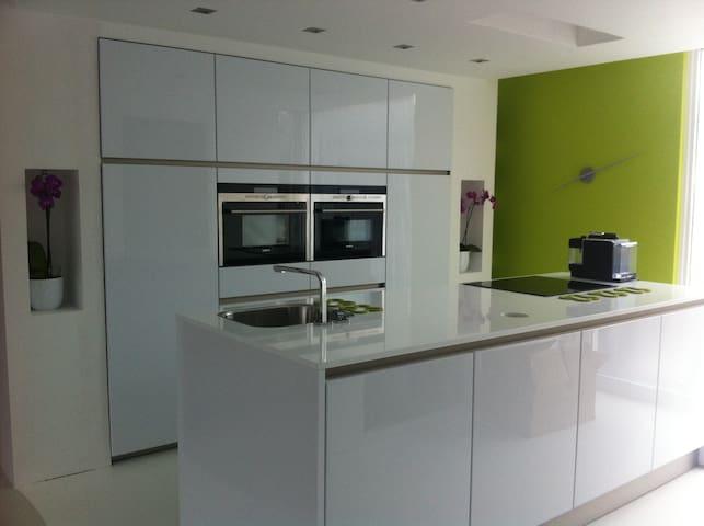 Kitchen, everything from Siemens
