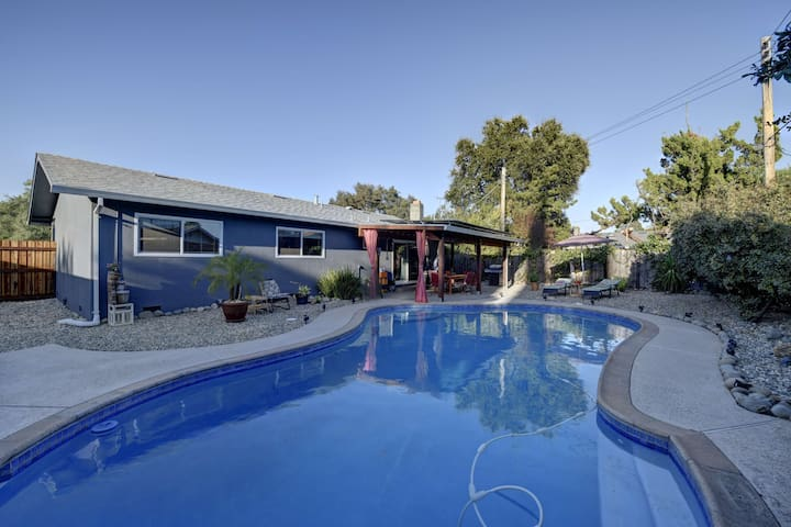 Our home is your home New remodeled w/private pool