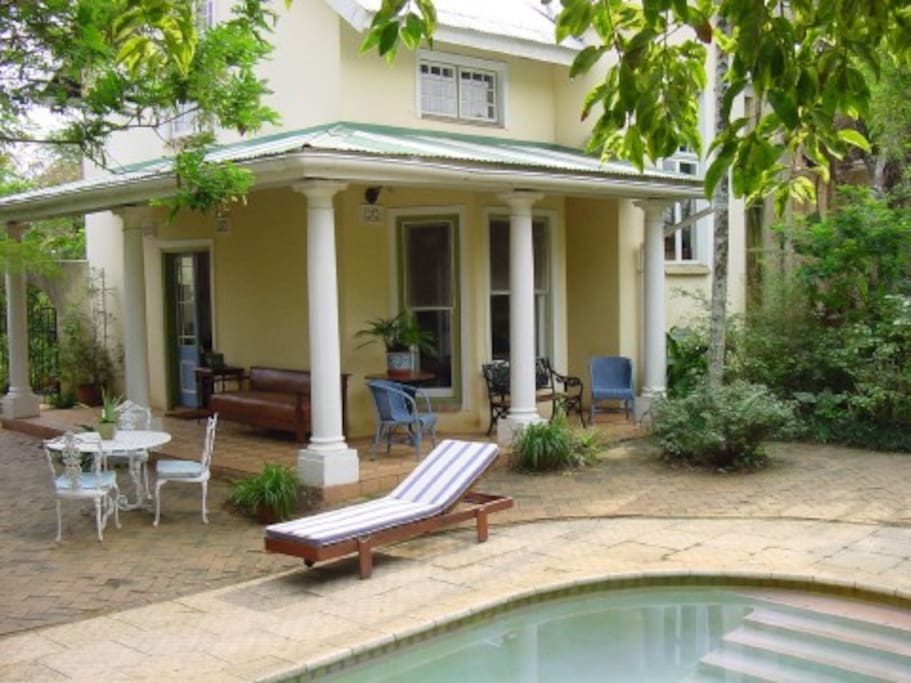Toad Tree Cottage is a self-catering cottage set on a sugarcane farm outside Mtunzini
