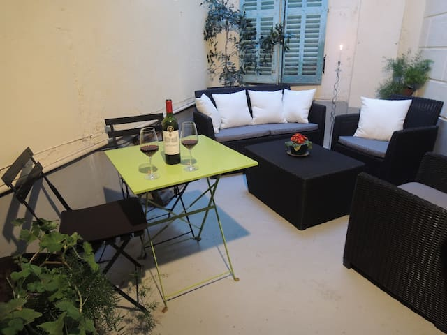 Spacious, central one-bedroom apt - Limoux - Appartement