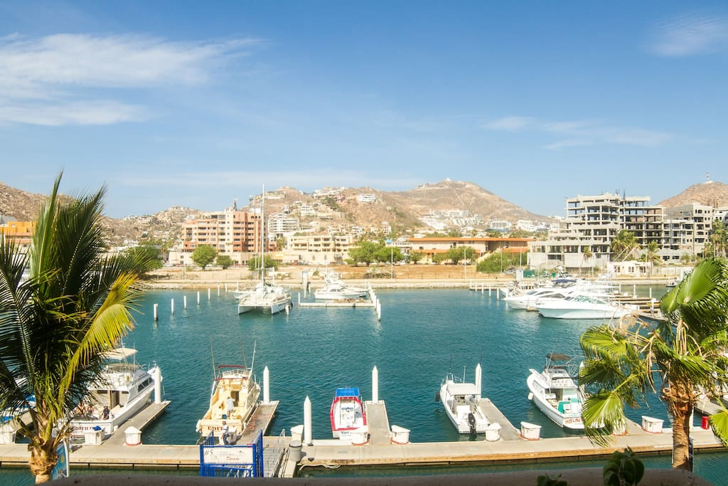 Marvelous marina view, right at your balcony!