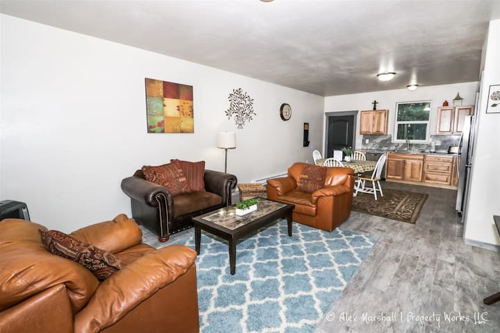 ✯FREE NIGHT!!✯ Updated Duplex by the Snake River!
