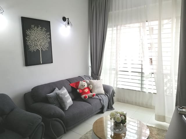 Home Sweet Home Cozy & Comfy +WiFi+LRT @ Subang