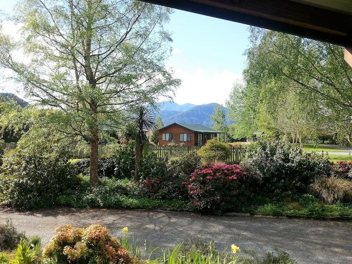 Mataki Luxury Log Cabin