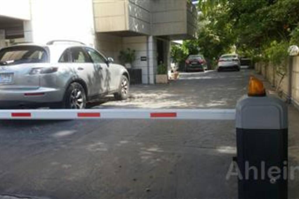 Secure remote control parking & 24/7 cctv
