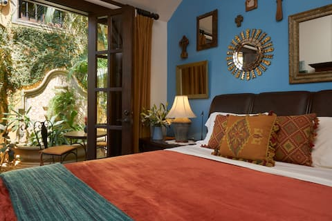 Villa Andalucia Bed and Breakfast, Mirror Suite