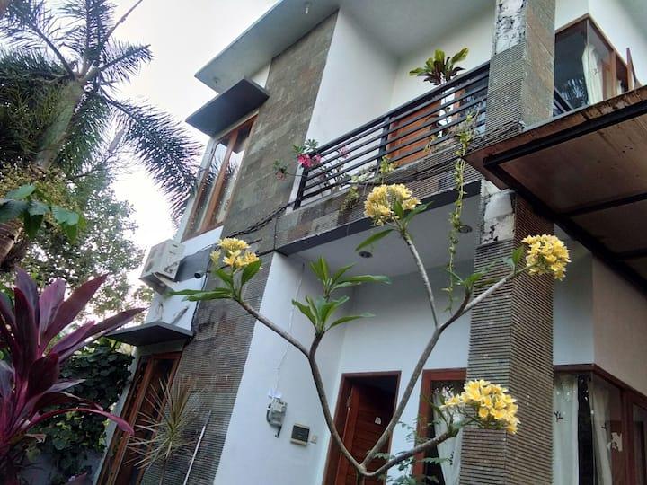 Rumah minimalis tenang Bukit Jimbaran