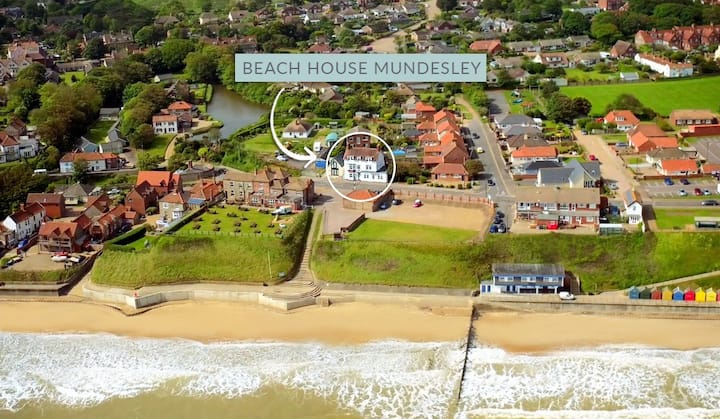 Beach House Mundesley - hot tub, sauna, sea views!