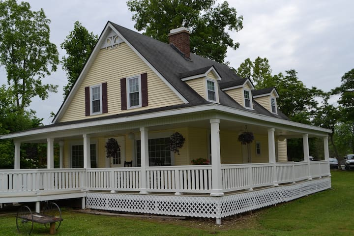 Large Victorian Farmhouse Downtown - Nashville - Casa