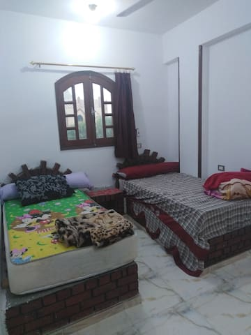 Twin bed room.