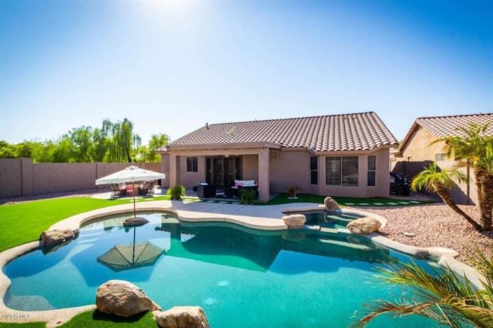 New Listing! Longer stay discounts! House w/ Pool Heater, Spa, Firepit, Near Freeways