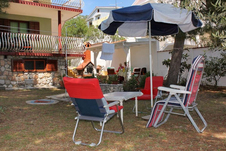 Two bedroom apartment with terrace and sea view Zavala, Hvar (A-594-a)