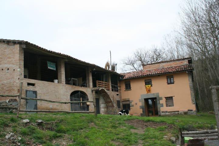 la fàbrica de targarona - Sant Pere de Torelló - Rumah
