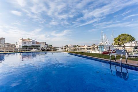 Piso de 2 habitaciones con piscina y cerca del mar