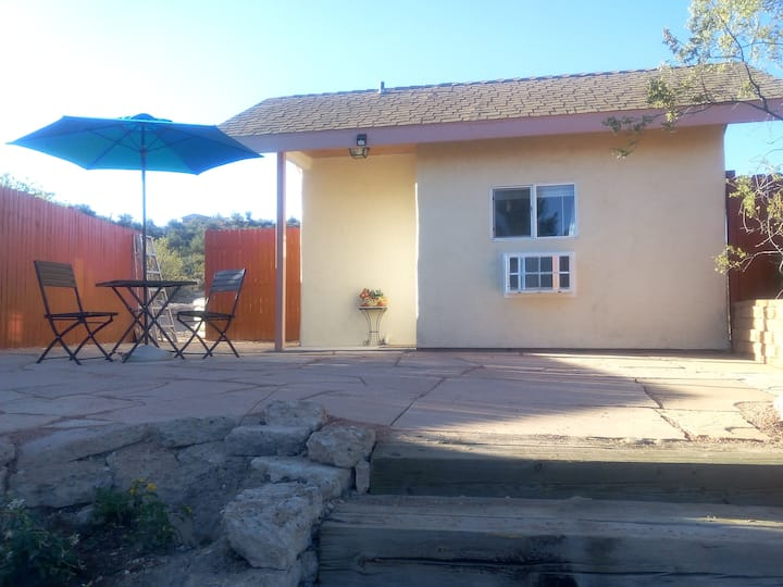 Relax in a peaceful, tiny Casita in Cornville