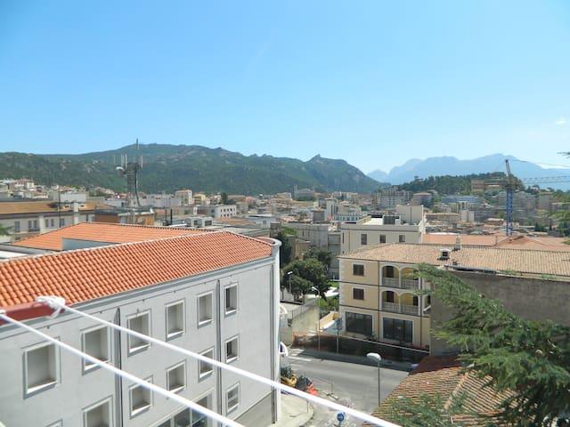Casa Le Calle  (MINIMO 3 OSPITI PER 3 NOTTI) - Nuoro - Pis