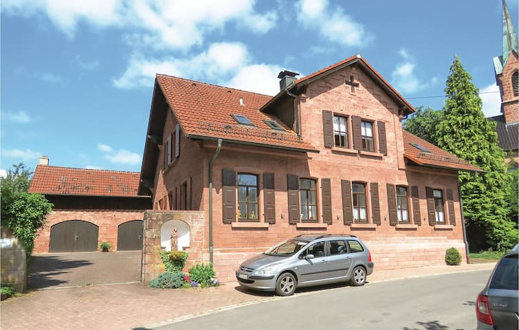 Holiday cottage with 3 bedrooms on 200m² in Schollbrunn