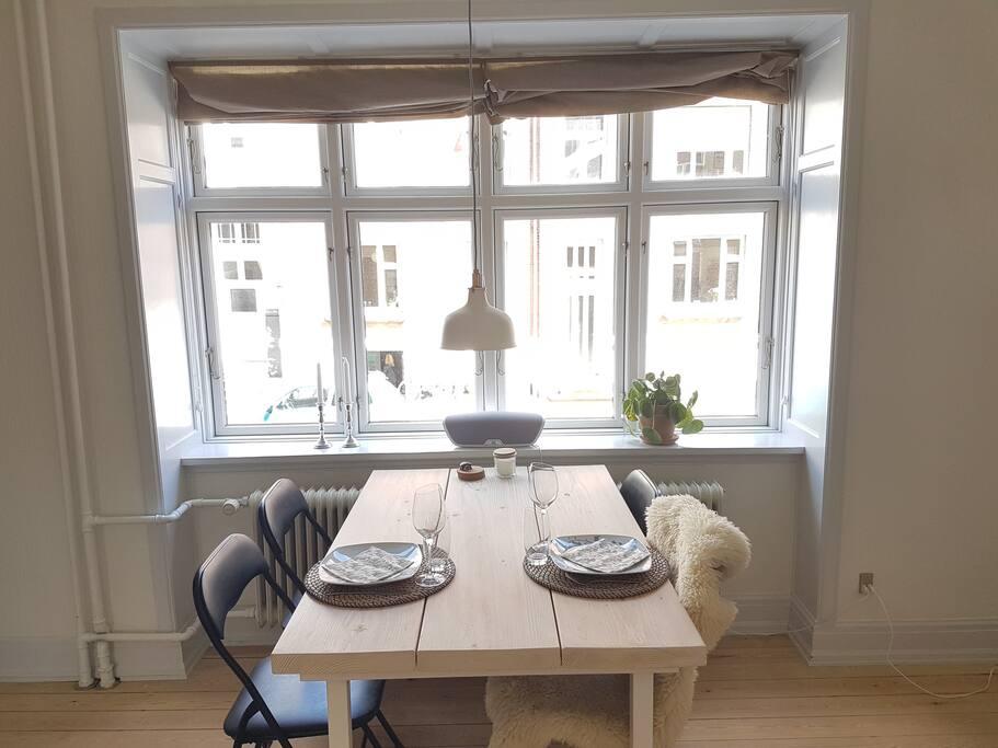 Dinnertable in the livingroom
