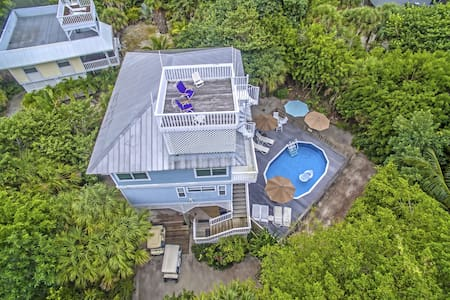 Coquina Beach House on North Captiva Island - Captiva - Hus