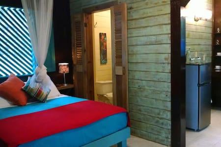 Relax at Surf Break @ Paunch Hilltop Apartment - Bocas del Toro Province