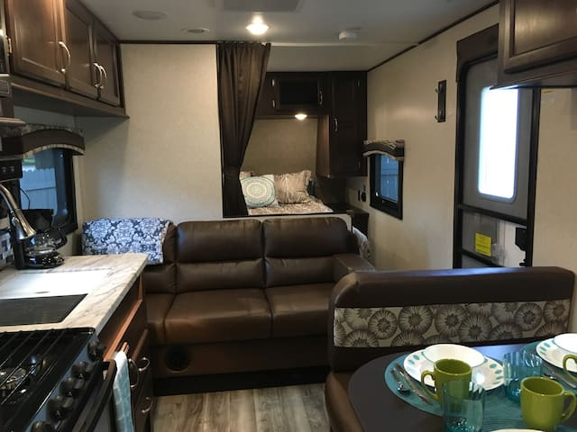Babs & Dan's Place - Couch Converts to Twin + Bed, Bedding Provided for Your Use