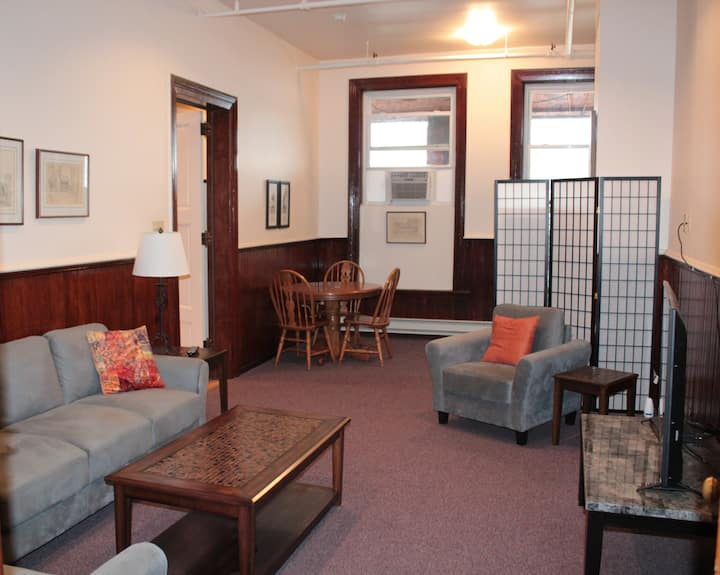 Business Stay Apt, #203, Downtown Norwich NY