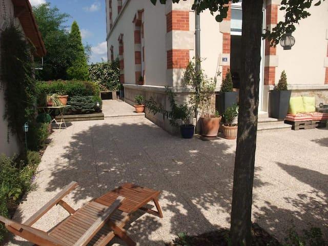 Chambre + sa salle d'eau privée - Lunéville - Hus