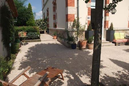 Chambre + sa salle d'eau privée - Lunéville - 独立屋