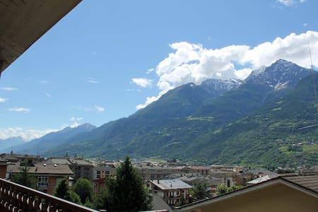 Attico con splendida vista sulla città - Aosta