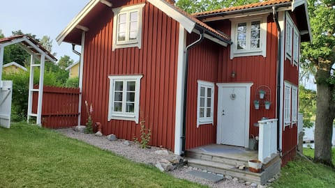 Genuine cottage in archipelago environment