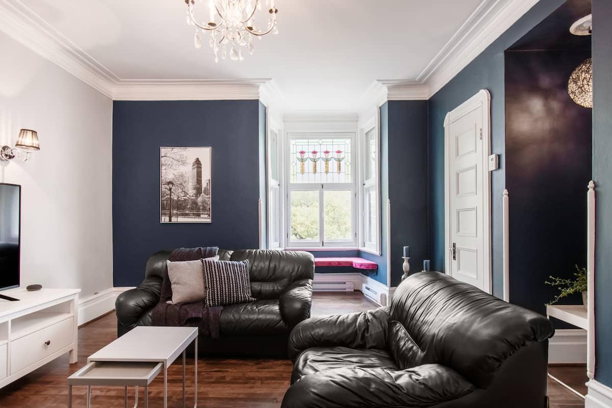 Appartement aussi spacieux que confortable, à proximité du Marché-Talon.