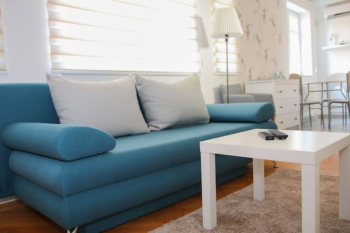 homerent 30 - the studio apartment in the center