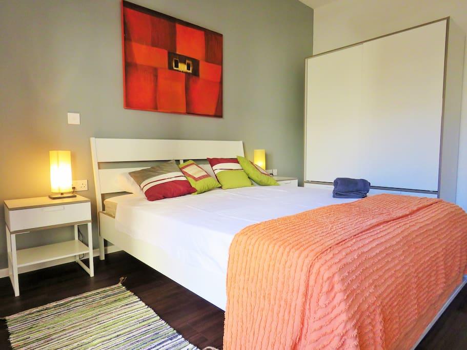 Bright & spacious bedroom