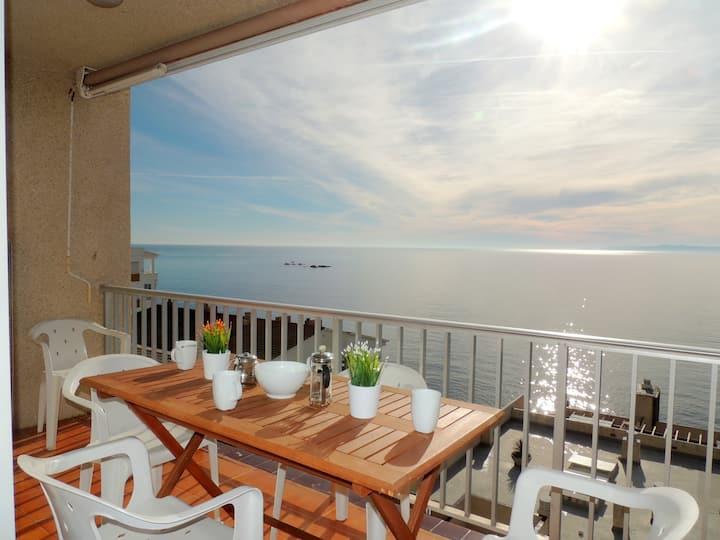 Apartment sea views in Canyelles Roses for rent-Dallas 2