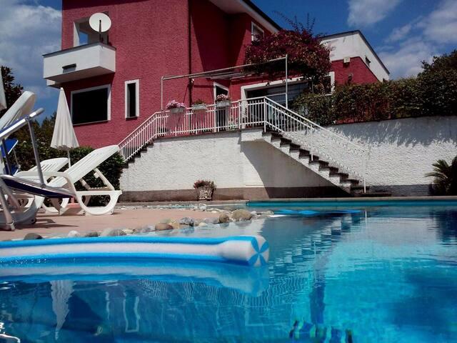 Appartamento in villa con piscina - Cilento - Policastro Bussentino