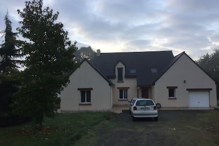 Belle maison, idéale grande famille - Cuguen