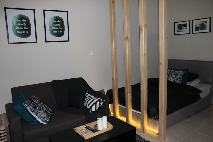 Cozy APT W Private entrance by King Fahd Rd RIYADH