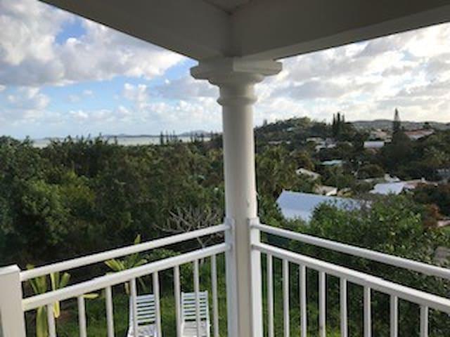 Villa du paradis , quartier Robinson, Nouméa
