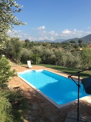 Villa panoramica con piscina - Castelnuovo di Farfa - Villa