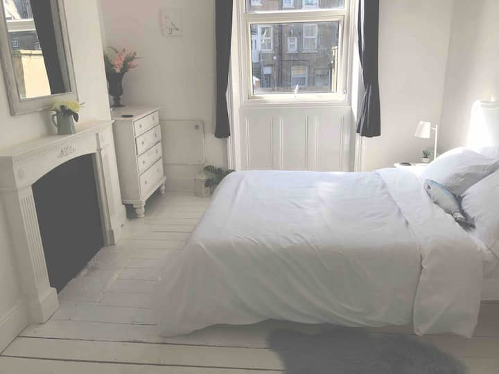 New! Seaside apartment central Scarborough
