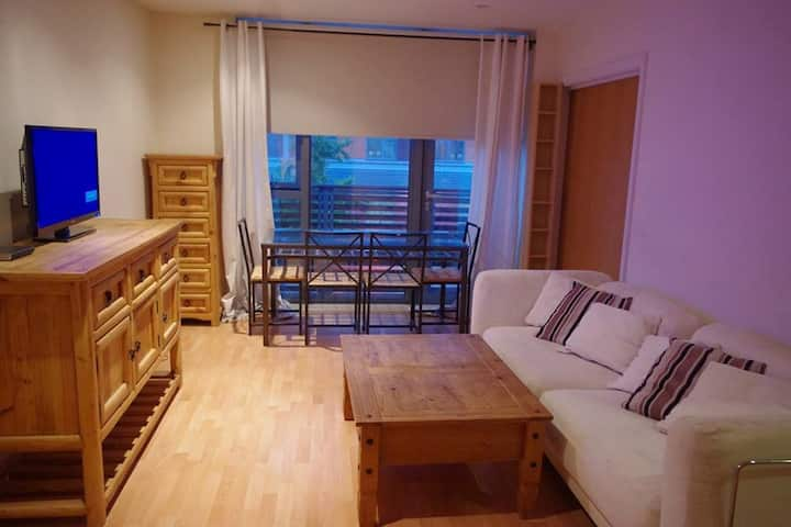 Watford luxury flat with the best transport links