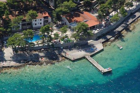 Lumbarda resort A7 - 룸바르다