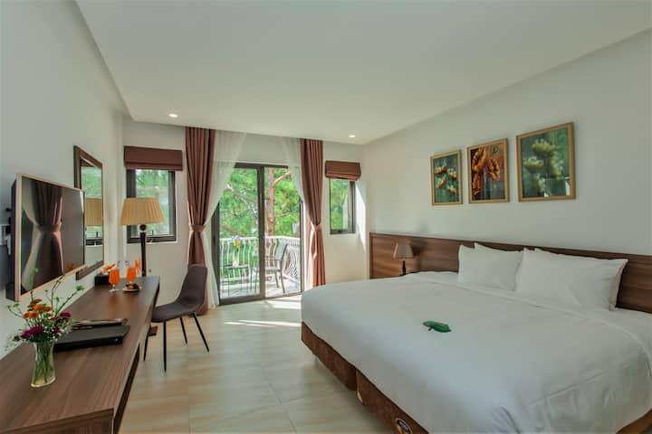 Premium Deluxe Villa Room Balcony Garden View