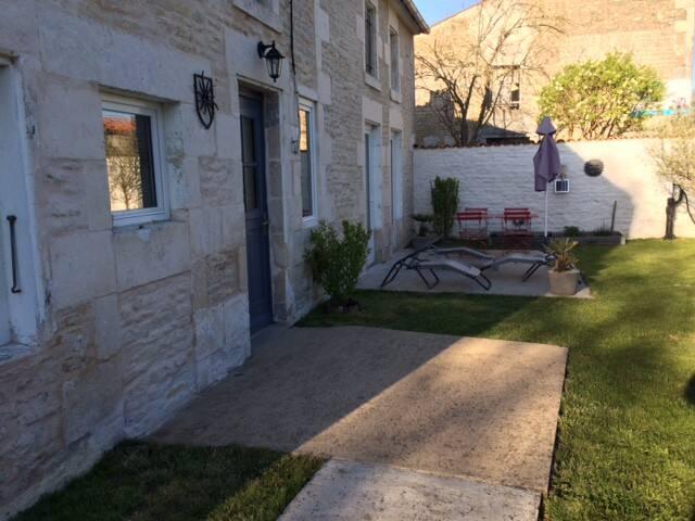 Maison de charme au cœur du Marais - Saint-Hilaire-la-Palud - Hus