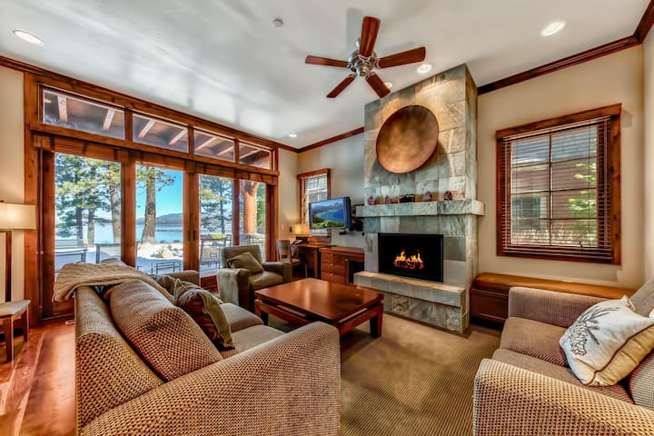 7 Sierra Shores Cozy Lakefront Home - Steps to Lake Tahoe - 3BR/3BA - Breathtaking Views
