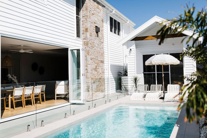 Coen By The Sea ☼  Luxury Beachfront Retreat