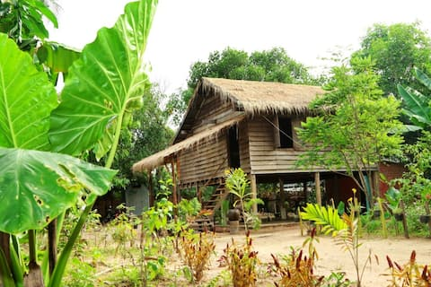 Traditional Cambodian Sok Phen Homestay