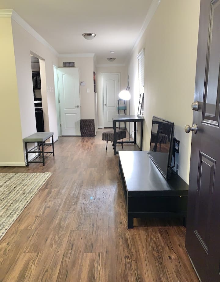 Charming Studio 10 Minutes From Downtown Houston!