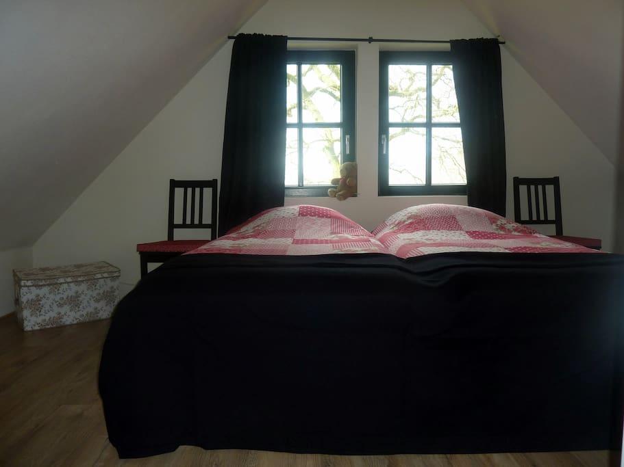 Bed broodje 39 de witte stolp 39 bed breakfasts for rent in ringe neugnadenfeld - Romantische witte bed ...